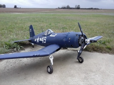 Corsair F4U